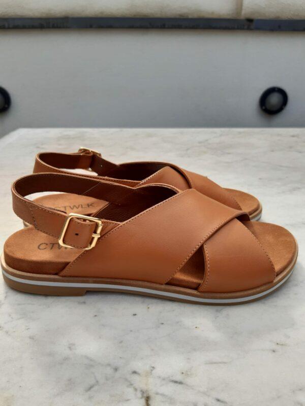 ctwlk platte sandaal cognac karma 3