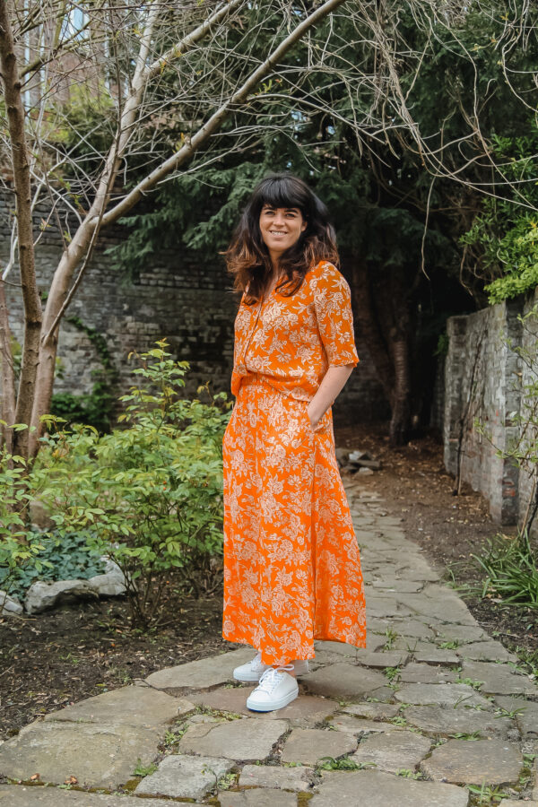 YAS oranje rok en bloes karma 3