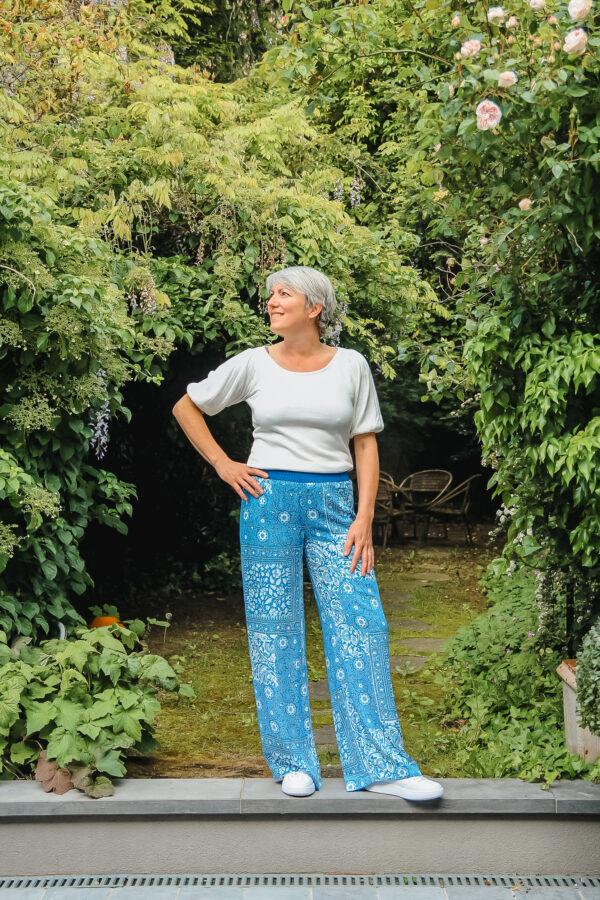 four roses blauwe broek karma 1